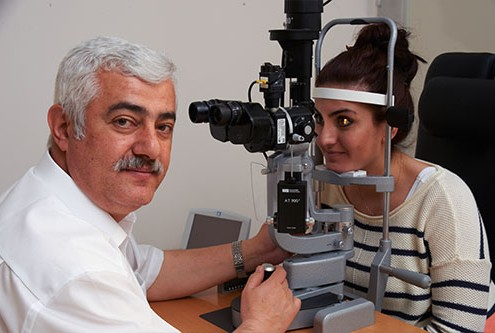 Doktor der Medizin (Univ.Istanbul) Fazil Peru